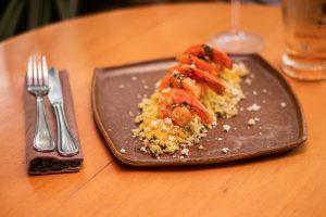 Camarão na farofa de tapioca
